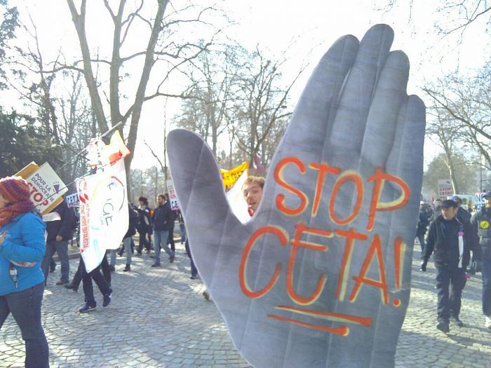 Le président de la République doit exiger à Bruxelles la suspension de l'application provisoire du CETA
